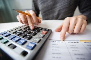 حساب المستحقات المالية بعد الاستقالة في الامارات